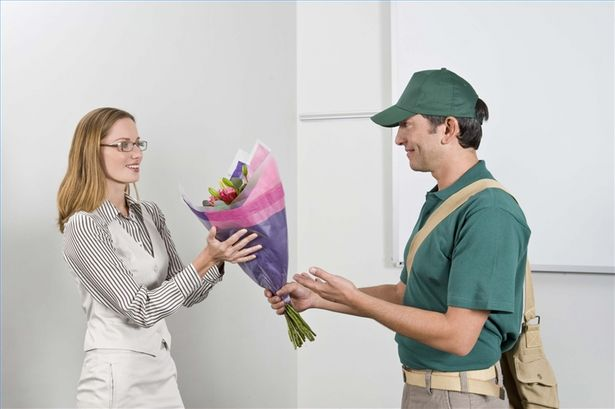 article-new-thumbnail-ehow-images-a04-7t-2f-start-flower-delivery-service-800x800