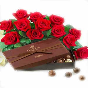 Beautiful Red Roses With chocolate