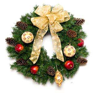 Golden Traditions Christmas Wreath